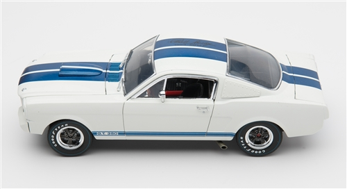 Shelby Collectables 1/18 1966 Shelby GT350 with Carrol Shelby Signature White/Blue image