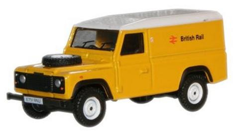 Oxford  1/76 Land Rover Defender Station Wagon British Rail image