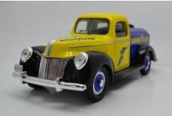 Golden Wheel 1/18 1940 Ford Tanker - Goodyear image
