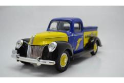 Golden Wheel 1/18 1940 Ford Vintage Truck - Goodyear image