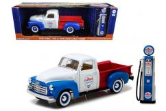 Greenlight 1/18 1950 GMC 150 Chervon with Vintage Pump White/Red/Blue image